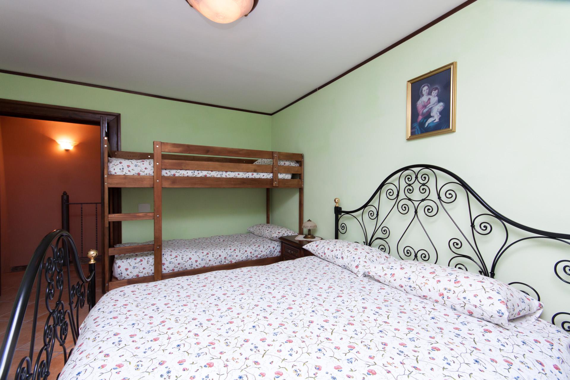 http://www.bebilborgo.com/sito/uploads/2014/07/appartamento-scapoli-zio-tullio-IMG_9839.jpg